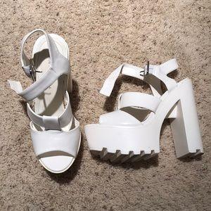 Shoe Republic LA White Freese 7.5